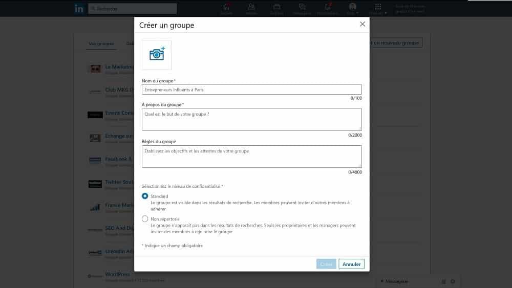 le formulaire de création de votre futur groupe LinkedIn s'affiche